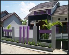 70 Examples of Simple House Models that Look Luxurious and Modern - House Designs House Front Wall Design, Bungalow House Design, Modern House Design, Home Entrance Decor, House Entrance, Compound Wall Gate Design, Affordable Bedroom Sets, Model House Plan, Timber House