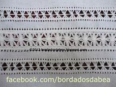 Detalhe do bordado de uma toalha de rosto