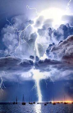 Lightning illuminates a cumulonimbus cloud over Corio Bay, Victoria, Australia | HoHo Pics