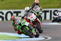 La carrera de SBK en Donington en imágenes | Motociclismo.es
