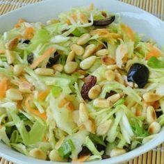 Görög káposztasaláta Cabbage, Vegetables, Food, Essen, Cabbages, Vegetable Recipes, Meals, Yemek, Brussels Sprouts