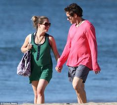 Who says pregnant women can't have fun? Robert Downey Jnr and his wife Susan take their bump on a mini adventure in Hawaii Five Months Pregnant, Pregnant Wife, Robert Downey Jnr, Susan Downey, Stony Avengers, I Robert, Downey Junior, American Actors, In Hollywood