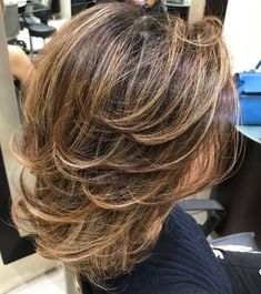 Medium Tousled Style With Layers Medium Hair Styles With Layers, Medium Layered Hair, Medium Hair Cuts, Short Hair Cuts, Short Hair Styles, Haircuts For Medium Hair, Haircut For Thick Hair, Wavy Hair, Brown Hair With Blonde Highlights