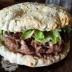 Hambúrguer com pão de queijo proteico