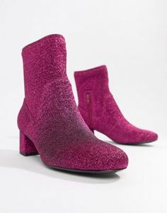 fd3a7aeceb6ff 20 Red Boots   Booties to Rock Your Winter Wardrobe