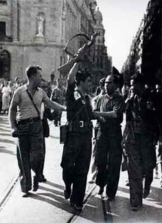 Spain - 1936. - GC - Agustí Centelles - salida de la columna García Oliver