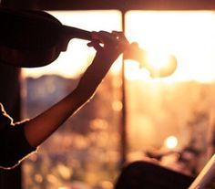 Violin or viola in the sunset. Violin Photography, Light Photography, Music Love, My Music, Violin Music, Violin Instrument, Violin Art, Amazing Music, Guitar
