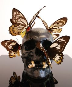 Philippe Pasqua, Crâne aux Papillons, 2006 ( Skull with Butterflies, bone, silver leaves and butterflies)