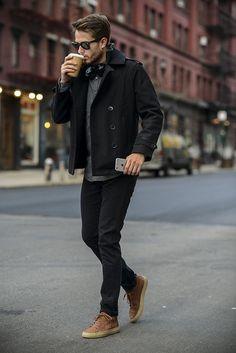 Jaqueta é uma ótima pedida na moda urbana masculina no inverno.