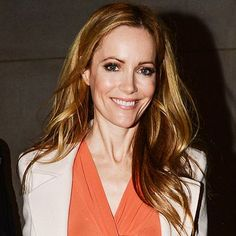 Daily Beauty Tip - use purple-tinted shampoo and conditioner specially made for lightened hair and use a protein mask once a week Leslie Mann, Daily Beauty Tips, Beauty Hacks, Salon Style, Celebrity Beauty, Cut And Style, Covergirl, Pretty Hairstyles, Hair Goals
