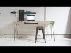 DIY: Comment réalisé un bureau Design Bureau Simple, Simple Desk, Furniture Projects, Home Projects, Diy Furniture, Beach Furniture, Building Furniture, Plywood Furniture, Furniture Styles