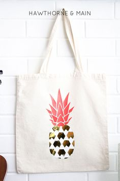 DIY Pineapple Bag made with my Silhouette CAMEO  using heat transfer material  - HAWTHORNE & MAIN