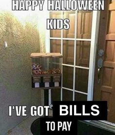 50 weekend memes - Saturday edition - Gallery for halloween memes 38 Pics and Memes That Will Make Your Tuesday Terrific Halloween This Year, Halloween Kids, Happy Halloween, Halloween Humor, Halloween Candy, Halloween Sweets, Halloween Projects, Halloween Stuff, Halloween Costumes