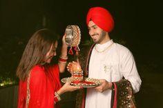 Stylish Girls Photos, Girl Photos, Celebrity Couples, Celebrity Weddings, Film Blue, Indian Idol, Punjabi Couple, The Wedding Singer, Neha Kakkar