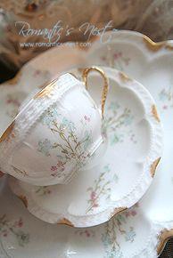 Lovely white cup with soft pastel decoration 로맨틱 감성 가득한 그대들의 공간 .^^*