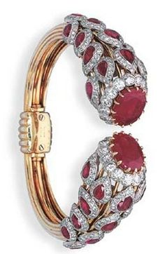 AN ELEGANT RUBY AND beauty bling jewelry fashion