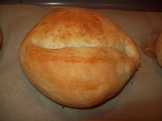 Step by step tutorial on how to make portuguese buns (papo secos).