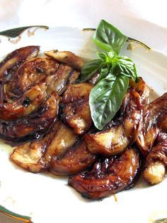 Sweet and sour aubergines - Monica Pennacchietti recipes - D - Repubblica. Vegetable Side Dishes, Vegetable Recipes, Italian Vegetables, Good Food, Yummy Food, Sicilian Recipes, Cooking Recipes, Healthy Recipes, Eggplant Recipes