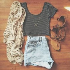 Wheretoget - Beige cardigan, black and white crop top, faded blue denim shorts and brown sandals