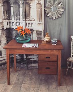 Mid Century vintage Kandya desk.. Unique Furniture, Shabby Chic Furniture, Corner Desk, Vanity, Mid Century, Vintage, Home Decor, Corner Table, Dressing Tables