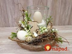 This cream-white elegant lantern glass with candle brings a beautiful candlelight to your coffee or coffee table. A glass with a cream-colored egg candle is surrounded by artificial … Easter Flower Arrangements, Easter Flowers, Floral Arrangements, Diy Easter Decorations, Christmas Decorations, Diy Osterschmuck, Deco Floral, Beautiful Candles, Easter Table