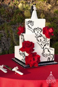 black and white and red themed wedding cake - Google Search
