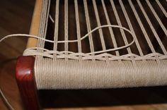 Cómo reemplazar asientos tejidos con cuerda en modernas sillas danesas