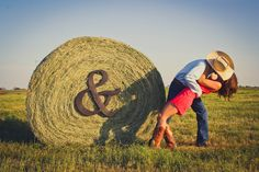 Engagment Picture, Hay Bale, & Sign