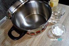 Μην πετάξετε την καμμένη κατσαρόλα. Αστράψτε την Kitchen Aid Mixer, Kitchen Appliances, Homemade Detergent, Tips & Tricks, Diy Bedroom Decor, Home Decor, Holidays And Events, Clean House, Good To Know