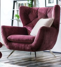 BRABBU is a design brand that reflects an intense way of living, bringing fierceness, strength and power into an urban lifestyle Vintage Furniture, Furniture Decor, Modern Furniture, Furniture Design, Modern Armchair, Modern Chairs, Round Back Dining Chairs, Retro Sofa, Pink Sofa