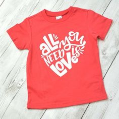 Valentines Day Pictures, Valentines For Boys, Shirts For Girls, Kids Shirts, Polo Shirts, Rock And Roll, Valentines Design, Valentine Crafts, Valentines Day Shirts