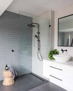 Luxury Bathroom Master Baths Paint Colors is extremely important for your home. Whether you choose the Luxury Master Bathroom Ideas or Luxury Bathroom Master Baths With Fireplace, you will make the best Small Bathroom Decorating Ideas for your own life. Ensuite Bathrooms, Bathroom Renos, Laundry In Bathroom, Bathroom Renovations, Master Bathroom, Master Baths, Decorating Bathrooms, Bathroom Inspo, Grey Floor Tiles Bathroom