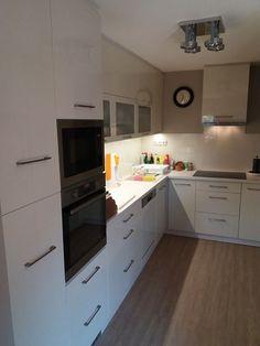 """Képtalálat a következőre: """"magasfényű konyhabútor"""" Kitchen Cabinets, Home Decor, Kitchen Cupboards, Homemade Home Decor, Decoration Home, Kitchen Shelves, Interior Decorating"""