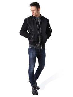 Style #00CYKI0848K -Krooley NE sweat jogg jean -Slim Carrot fit -Low waist -Drawstring -90% cotton 8% polyester 2% elastane -Imported Price: $198.00 hudson skinny jeans