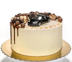 138 отметок «Нравится», 8 комментариев — Торты на заказ Иваново (@ris_inka.cake) в Instagram: «3 кг, 1 кг 1000-1500₽, + стоимость машинки.  ленюсь показывать что-то новое Сникерс #ivcake…»