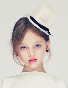 Noelle Vlasov,stylish little girl,hat,blue eyes,fashion
