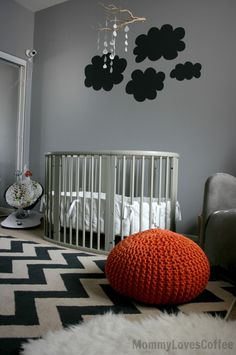 On-trend chevron & gray nursery space with Stokke Sleepi convertible crib via @Project Nursery | Junior @MommyLovesCoffee
