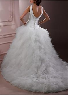 Buy discount Elegant Exquisite Tulle Ball Gown V-neck Wedding Dress at Dressilyme.com