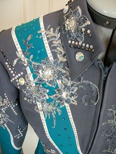 awesome showmanship outfit, love the teal and gray