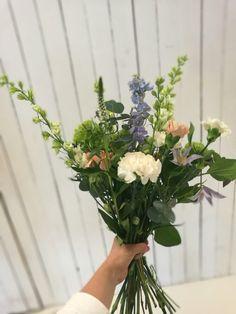 Spring buquet by me and towns loveliest flower shop Inbloom. #decopia
