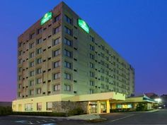 New Haven (CT) La Quinta Inn & Suites New Haven United States, North America Set in a prime location of New Haven (CT), La Quinta Inn & Suites New Haven puts everything the city has to offer just outside your doorstep. Offering a variety of facilities and services, the hotel provides all you need for a good night's sleep. Free Wi-Fi in all rooms, 24-hour front desk, business center, family room, elevator are just some of the facilities on offer. Guestrooms are designed to prov...