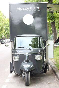 Mozza & Co, le Food Truck Dolce Vita Coffee Food Truck, Ice Truck, Mobile Food Trucks, Bike Logo, Food Vans, Meals On Wheels, Food Truck Design, Mobile Business, Mobile Shop