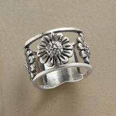 totally love this ring