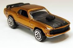 Hot Wheels Classics #2-15 1970 Mustang Mach 1 Gold 1/64      Free Shipping!!
