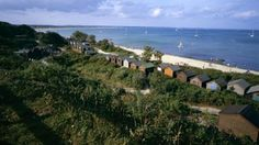 Beach huts at Middle Beach, Studland © Nick Meers You can hire a beach hut for the day from the NationalTrust.
