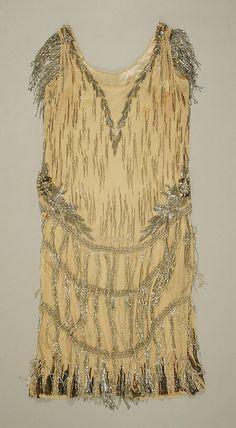 Court Presentation Ensemble    Date:      1927  Culture:      British  Medium:      silk