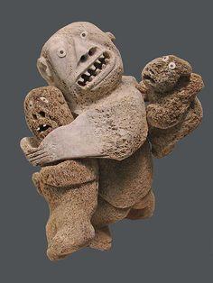 Sculpture by Judas Ullulaq (1937-1999), Inuit artist - untitled, 1991, whale bone, Musée des Beaux-arts de Montréal.
