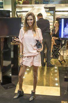 Joana Freitas, cabelos louros, olhos claros, pele dourada, sorriso rasgado e estilo sempre impecável! Escolhemos os seus melhores looks ;) #joanafreitas #style #streetstyle #ootd