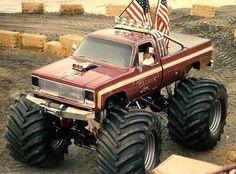 Monster Truck Cars, Monster Track, Jacked Up Trucks, Old Pickup Trucks, Chevrolet Trucks, Chevy Trucks, Tonka Trucks, Redneck Trucks, Truck Pulls