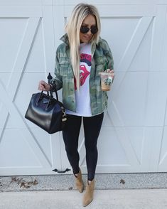 Interrupting your night of The Bachelor . Interrupting your night of The Bachelor . Interrupting your night of The Bachelor . Interrupting your night of The Bachelor . Legging Outfits, Outfits Otoño, Casual Fall Outfits, Fall Winter Outfits, Autumn Winter Fashion, Spring Outfits, Fashion Outfits, Country Outfits, Club Outfits